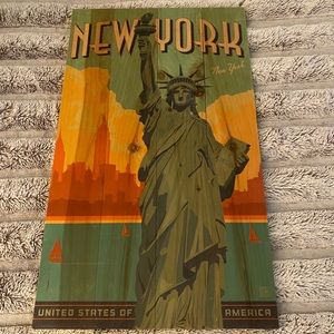 Statue of Liberty sign